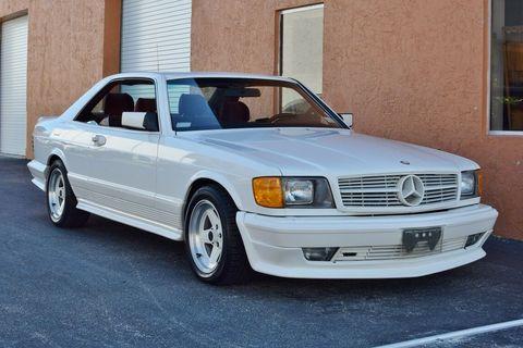 Land vehicle, Vehicle, Car, Luxury vehicle, Mercedes-benz w126, Classic car, Mercedes-benz, Personal luxury car, Sedan, Automotive design,