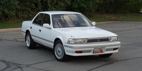 Land vehicle, Vehicle, Car, Sedan, Automotive design, Full-size car, Toyota, Coupé, Classic car,