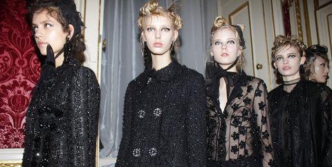 Hairstyle, Eye, Sleeve, Style, Hair accessory, Headgear, Fashion, Pattern, Headpiece, Day dress,