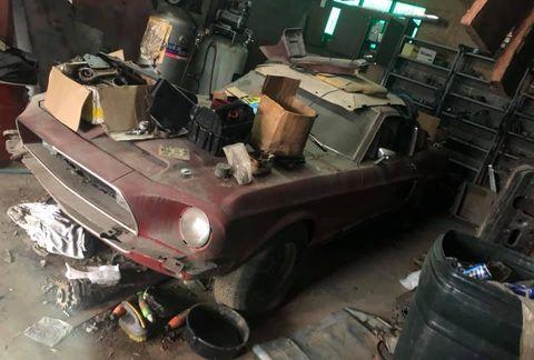 Motor vehicle, Vehicle, Car, Scrap, Automobile repair shop, Classic car,