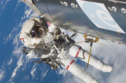 nasa-astronaut-eva.jpg