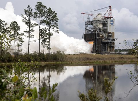 sls engine test nasa  - s19 003 ssc 20190228 s00092 rs 25 engine test 1625076696 - The Space Shuttle Engines Will Rise Again