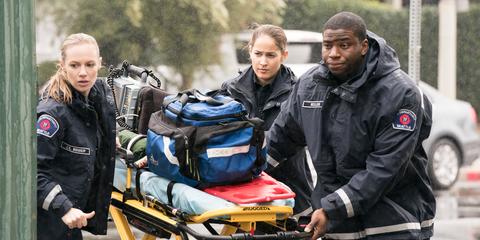 Motor vehicle, Workwear, Vehicle, Personal protective equipment, Paramedic, Job,