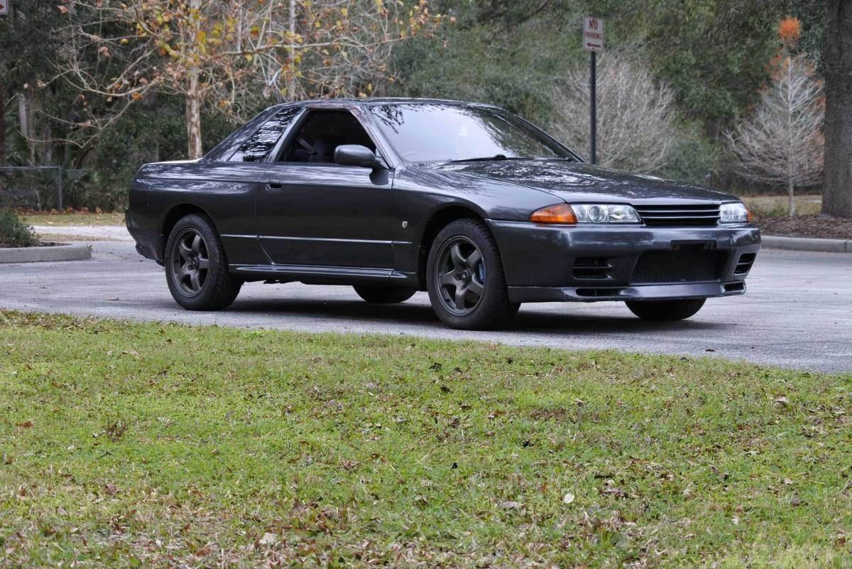 This Wingless Skyline GT-R Can Be Yours For the Price of a New Prius