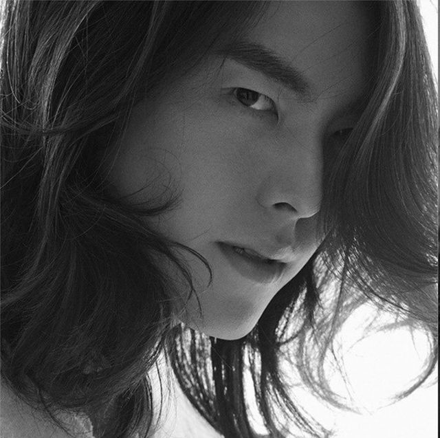 Face, Hair, Nose, Eyebrow, Photograph, Facial expression, Chin, Lip, Cheek, Hairstyle,
