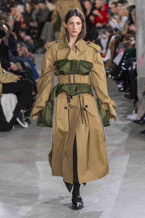 Fashion model, Fashion, Fashion show, Runway, Clothing, Coat, Outerwear, Human, Fashion design, Event,