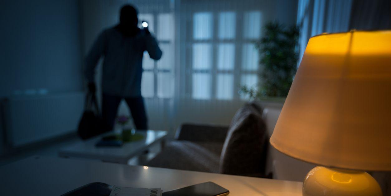 safe.co.uk - burglar