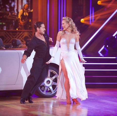 sailor-brinkley-cook-standing-ovation-dancing-with-the-stars
