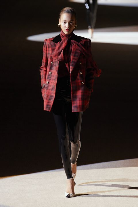 Fashion model, Fashion show, Fashion, Clothing, Runway, Fashion design, Tartan, Outerwear, Design, Pattern,