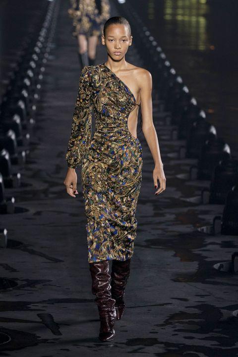 vestiti monospalla moda estate 2020