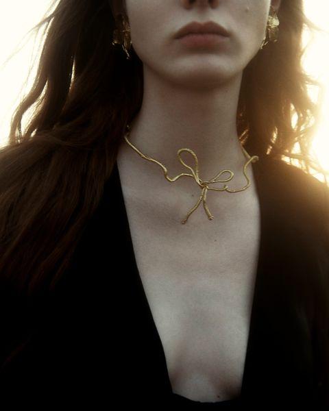 Lip, Hairstyle, Skin, Jewellery, Fashion accessory, Style, Body jewelry, Beauty, Fashion, Earrings,