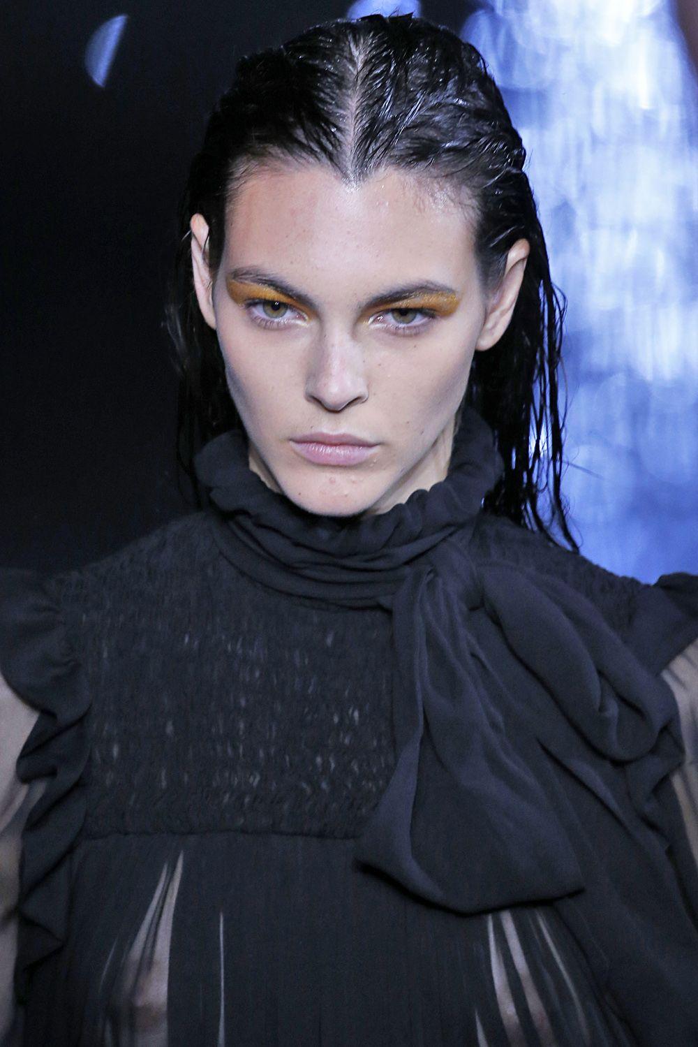Saint Laurent : Runway - Paris Fashion Week Womenswear Spring/Summer 2019