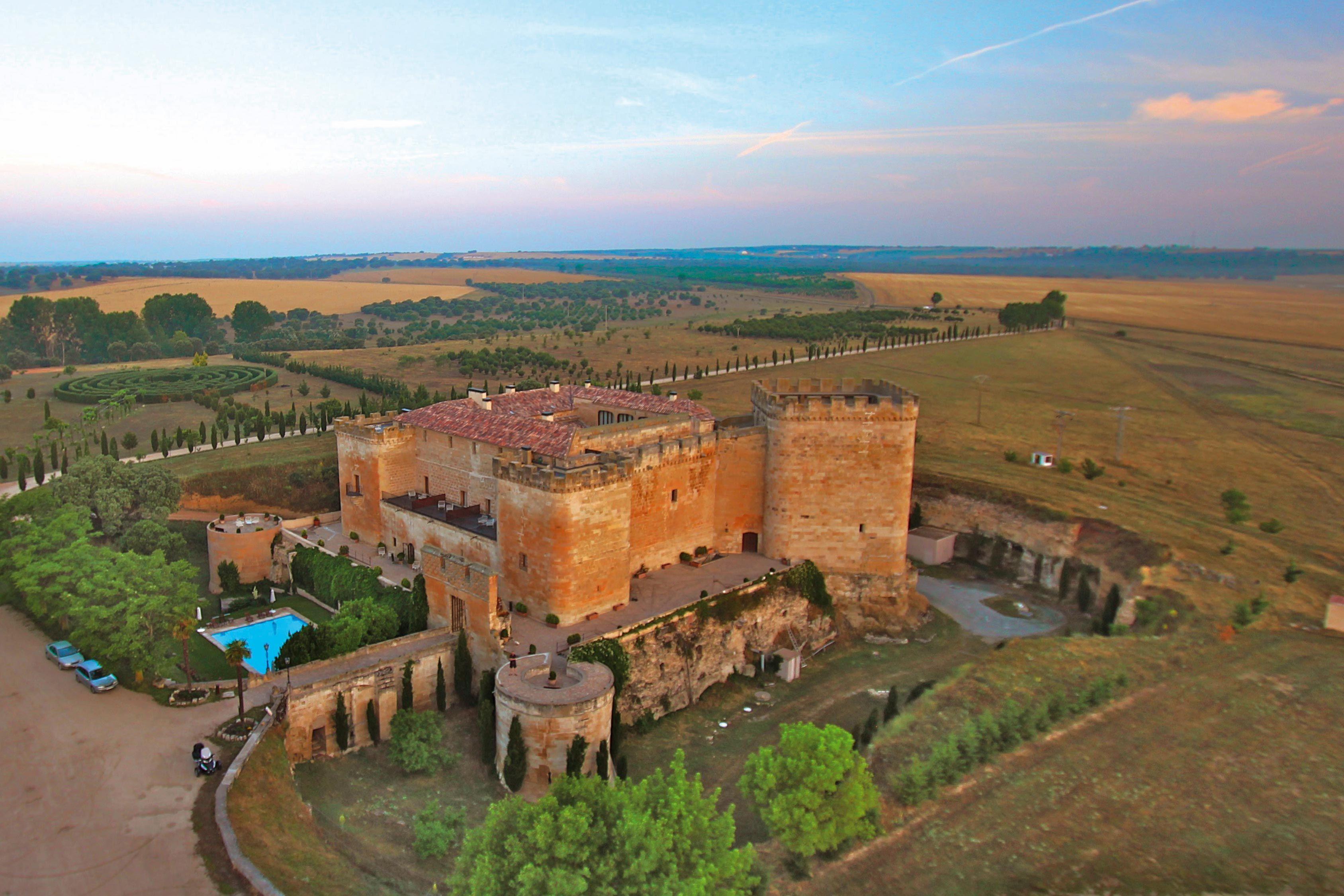 Posada real castillo del Buen Amor en Salamanca