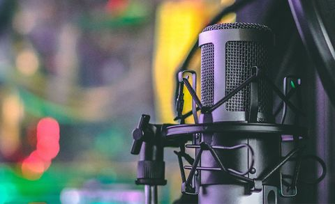 Microphone, Audio equipment, Microphone stand, Recording studio, Purple, Technology, Electronic device, Recording, Performance, Singing,