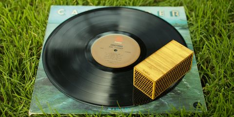 Gramophone record, Product, Technology, Electronic device, Grass, Data storage device, Dvd,