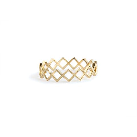 Jewellery, Bracelet, Fashion accessory, Body jewelry, Bangle, Gemstone, Ring, Pearl, Metal, Beige,