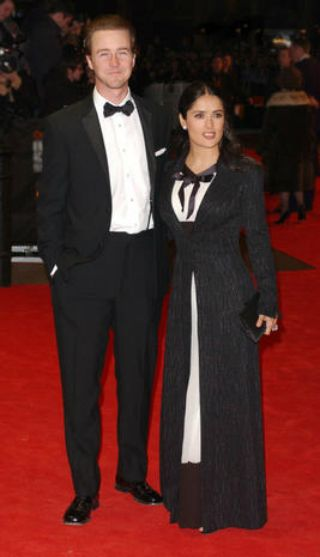 "Salma Hayek e Edward Norton Lei: 5'2"" ; Lui: 6' ; Differenza: 10 pollici"