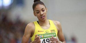Salma Paralluelo bate el récord de España sub-18 de 400m. vallas