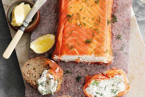 Pastel de salmón con eneldo