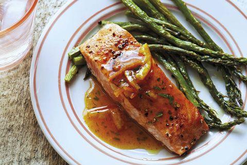 salmón con mermelada de naranja