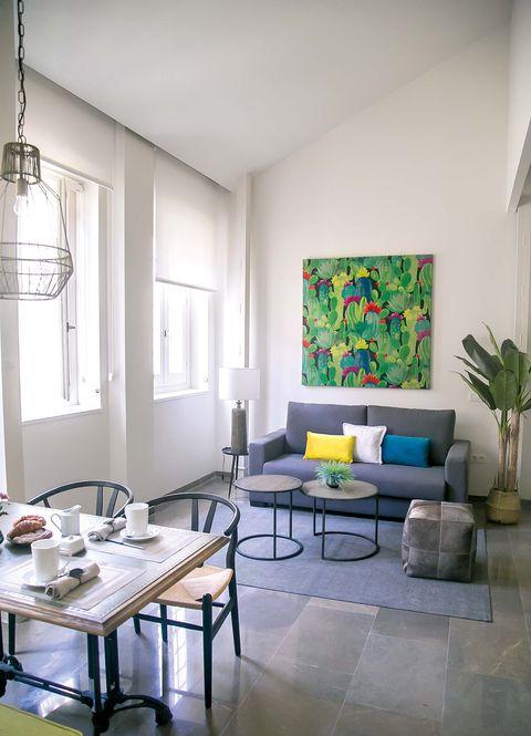 un espacio diáfanos donde se comparte la zona de comedor y salón