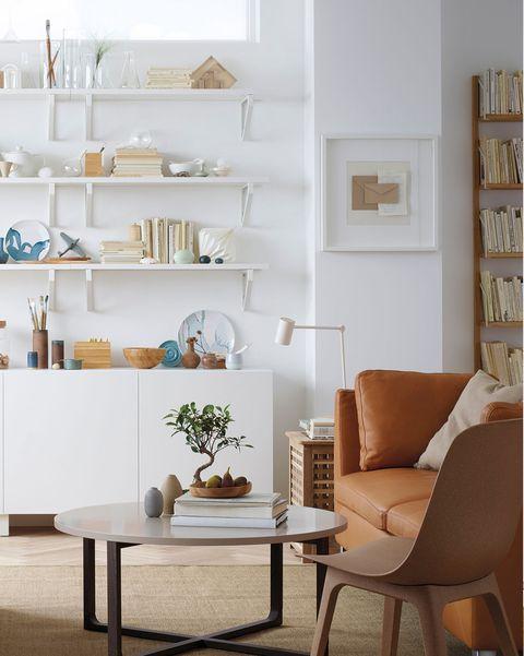 salones modernos salón blanco y sofá de cuero