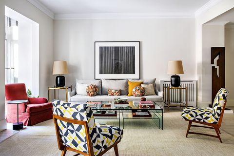una colección de arte marca el interiorismo de este piso