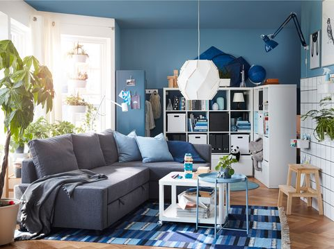 Salón decorado en color azul