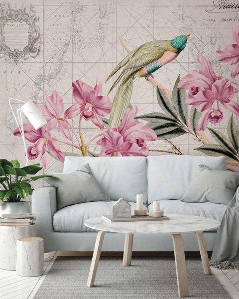salón con papel pintado mural de flores y pájaros
