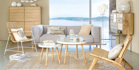 Salón decorado con muebles de fibras naturales