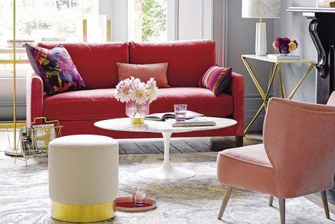 Salón en rojo, rosa y dorado