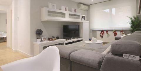 Property, Interior design, Room, Furniture, Living room, Ceiling, Building, Real estate, Table, Floor,