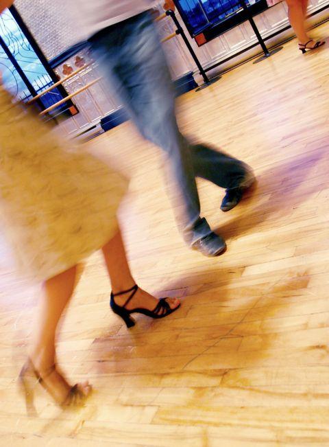 winter date ideas dance class