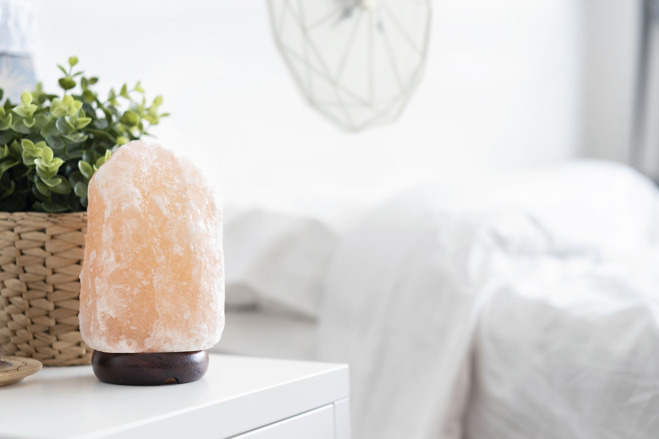 5 Salt Lamp Benefits to Have on Your Radar
