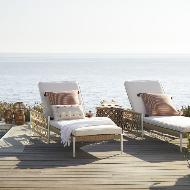 Outdoor Chaise Lounges For Pools