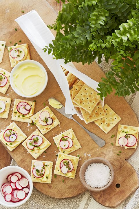 saltines with butter and radishes recipe