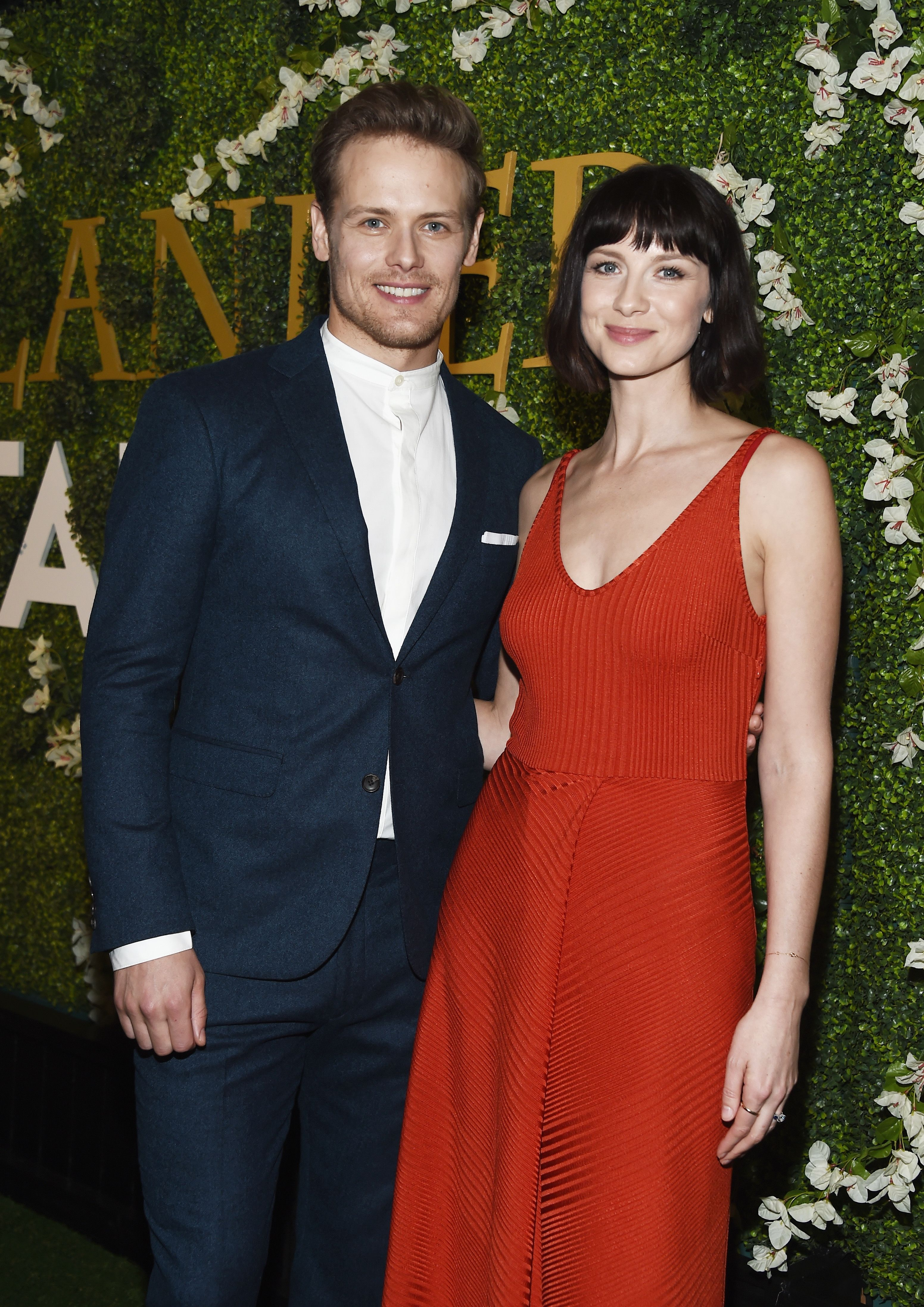 Are outlander cast dating each other