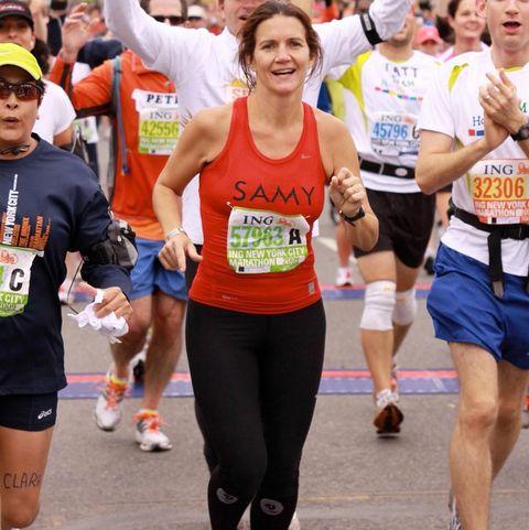 samantha vallejonájera corriendo un maratón