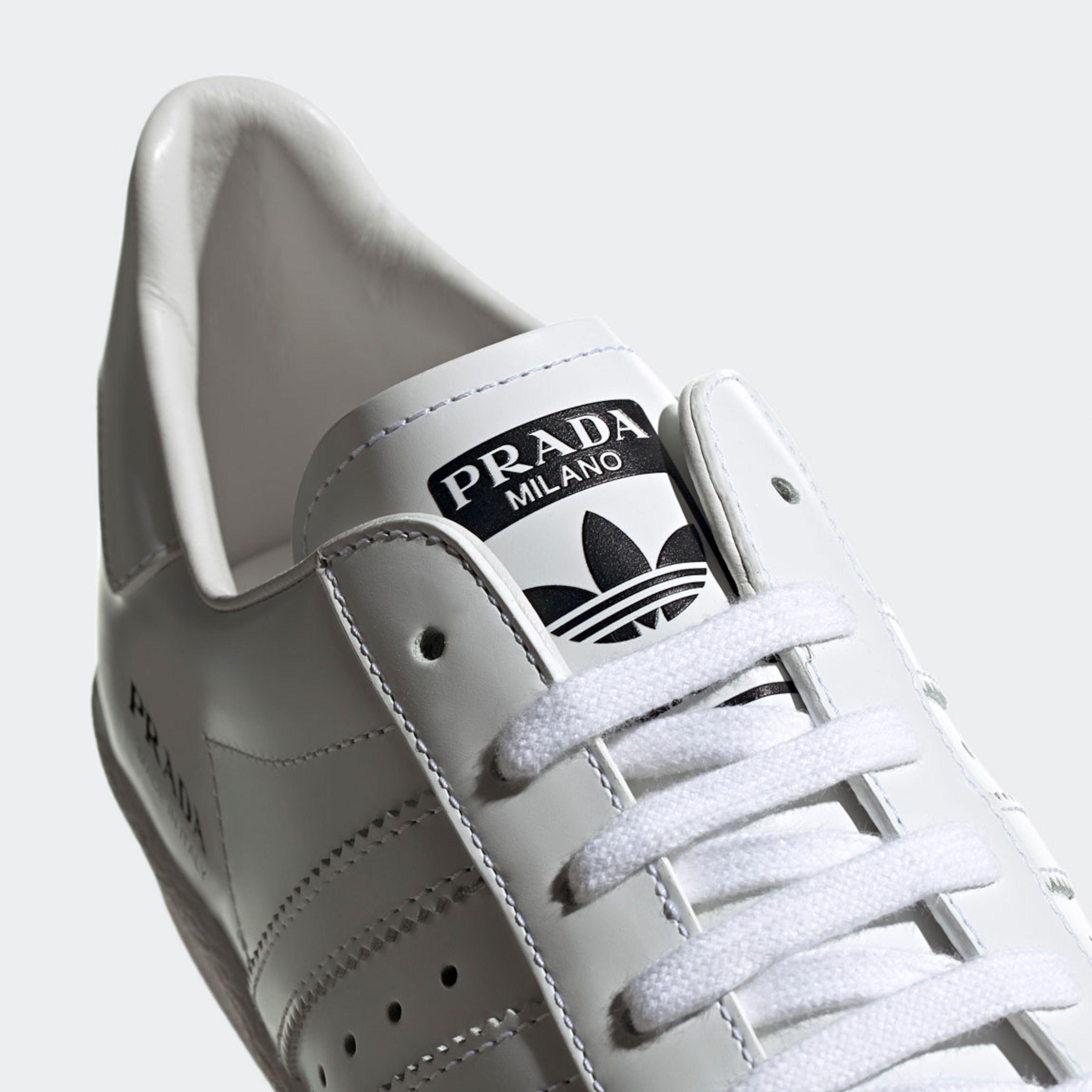 Het resultaat van de samenwerking tussen Prada en Adidas.