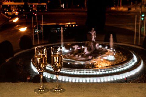 vistas a la cibeles desde el el hotel the westin palace, madrid