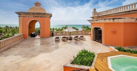 Property, Building, Hacienda, Real estate, Estate, House, Architecture, Villa, Courtyard, Home,