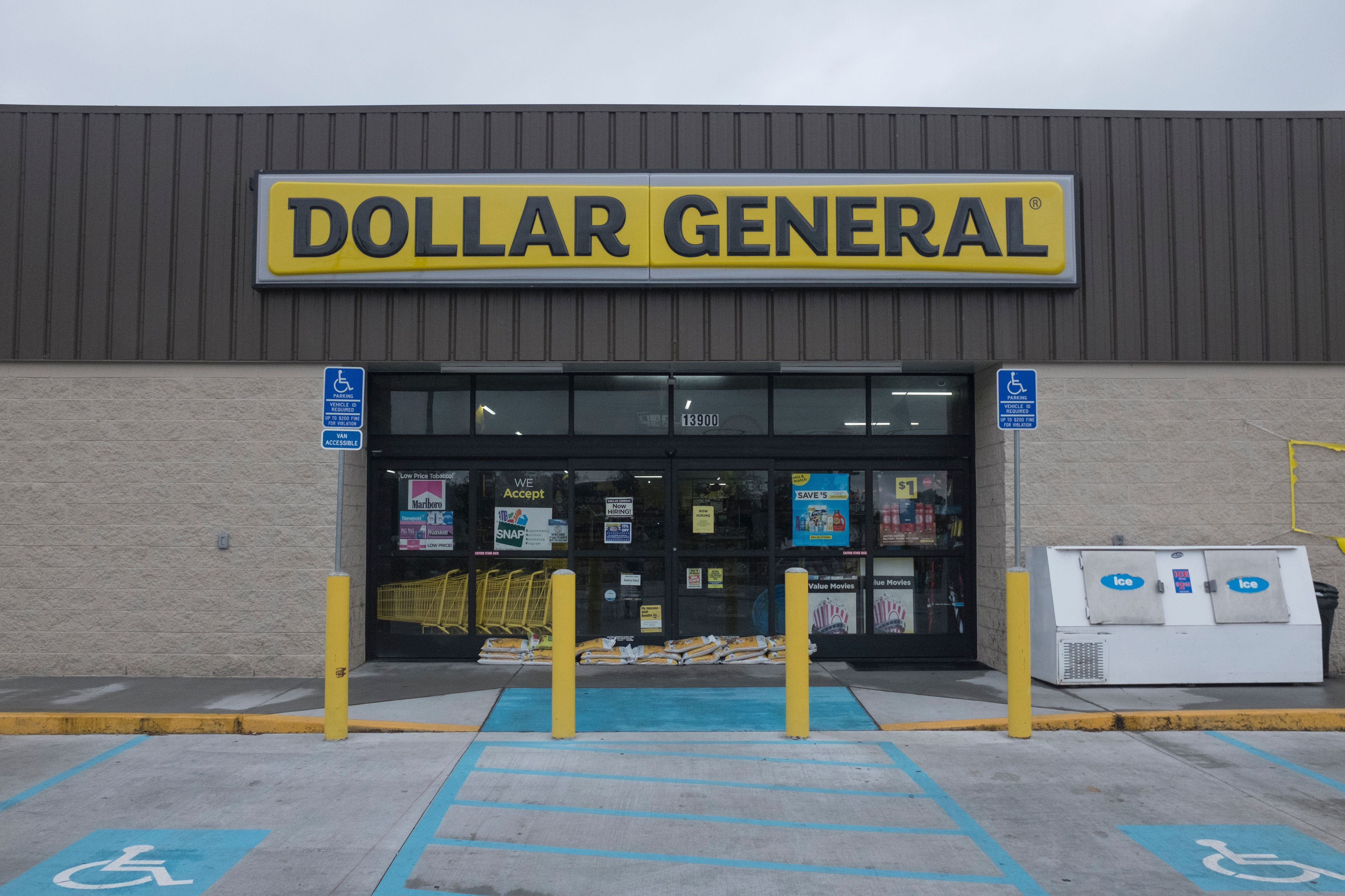 Dollar General Is Testing Their Own Online Grocery Pickup Service