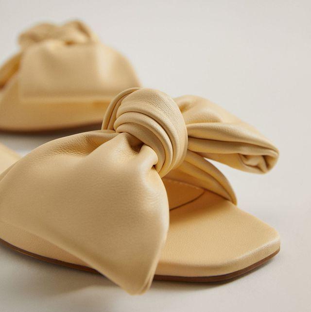 sandalias planas con lazo de mango