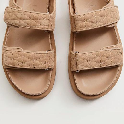sandalias acolchadas de tiras de mango