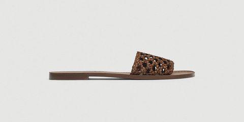 Sandalias planas marrones de Zara