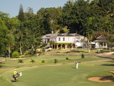 Sport venue, Golf course, Golf, Property, Estate, Competition event, Grass, Resort, Hill station, House,