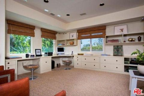 Property, Room, Furniture, Building, Interior design, Cabinetry, Home, Ceiling, House, Real estate,