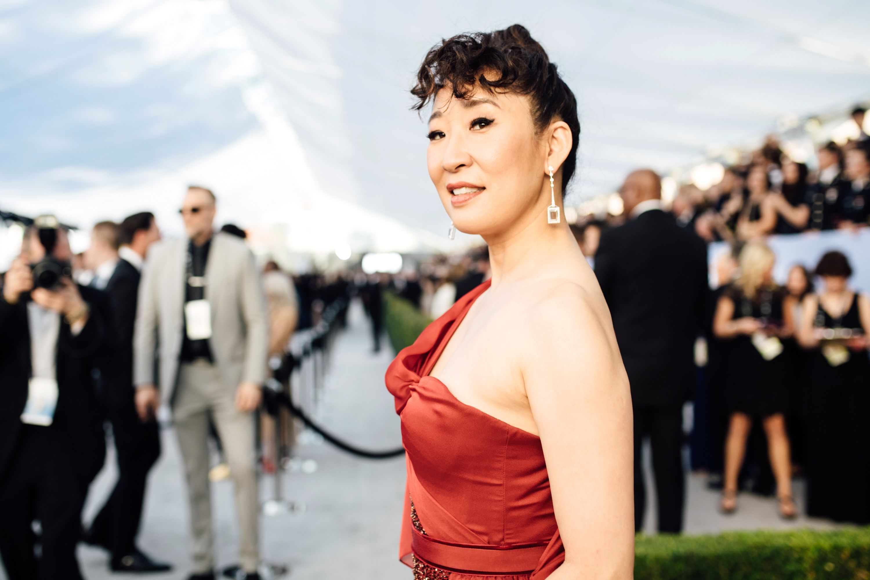 Watch Sandra Oh Recreate Her Iconic Scene In The Princess Diaries