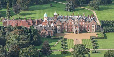 Estate, Aerial photography, Property, Mansion, House, Hill station, Building, Rural area, Landscape, Château,