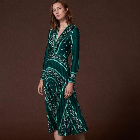 El vestido verde de la Reina Letizia - Letizia o cómo reinventarse ... a0aa37e01873